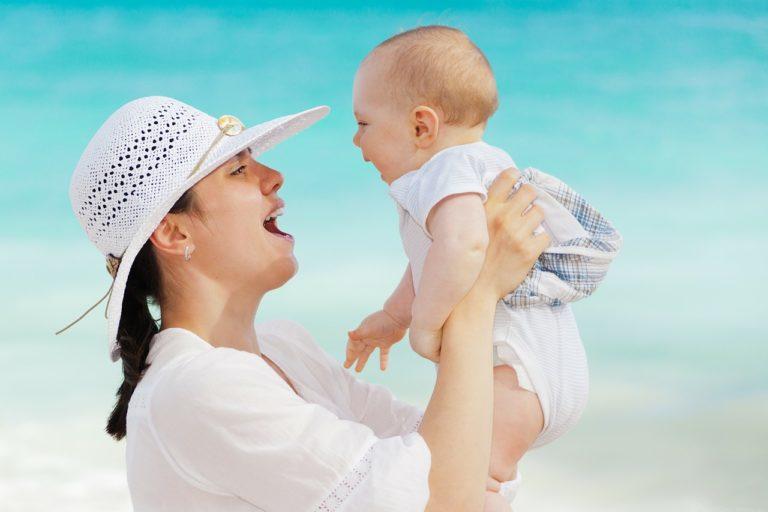 幼児と母の愛着行動